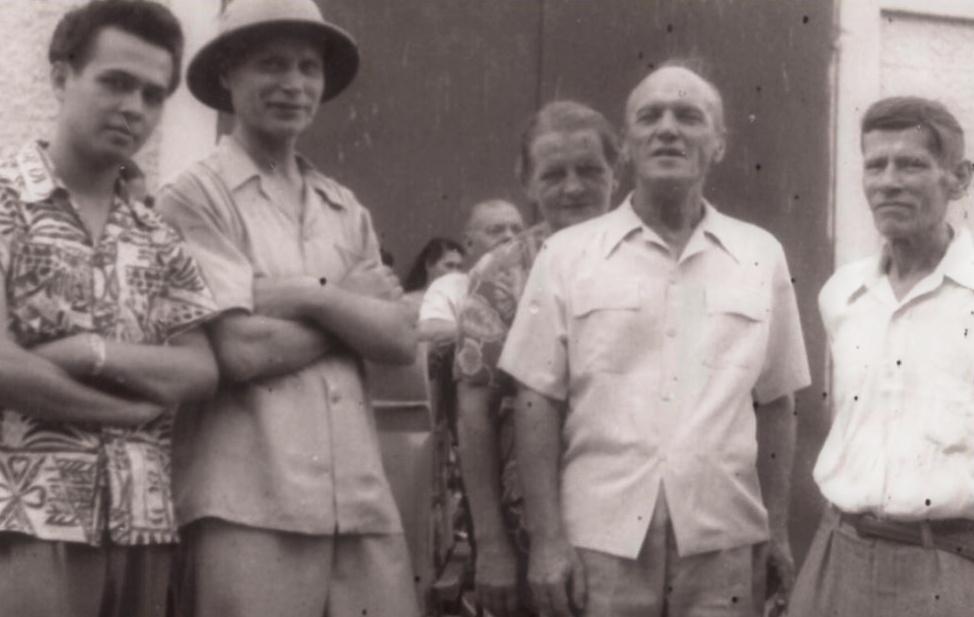 Češi v Papeete - zprava František Čáp, manželé Pánkovi a Emil Valenta se synem Ramonem