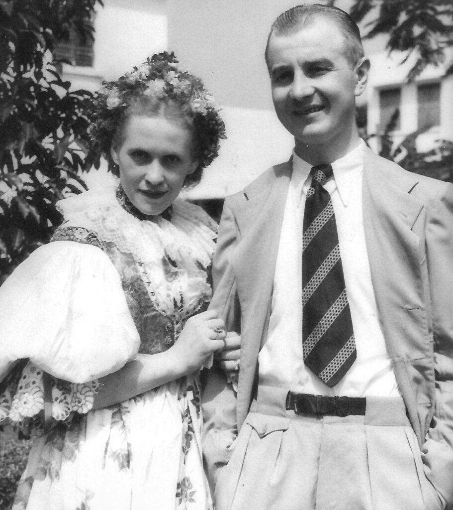 novomanželé Pleškovi v Batanagaru
