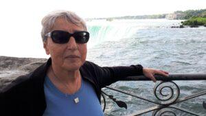 Alena Heitlinger u Niagarských vodopádů